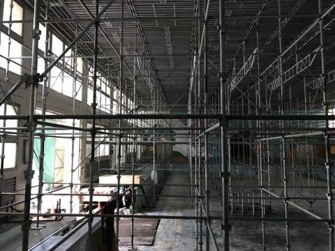 浦安市 アスベスト除去用 くさび式ステージ足場 頭切り柱使用フルフラット使用