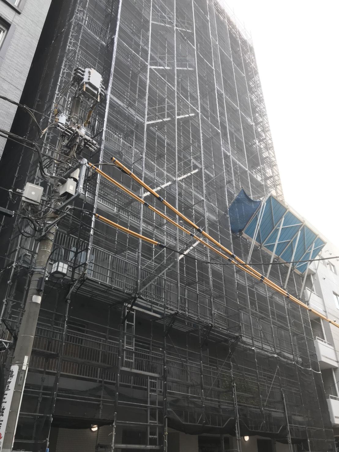 東京都中央区 くさび式本足場 システム朝顔 黒メッシュ